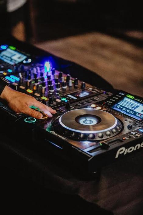 DJ für Hochzeit darmstadt buchen